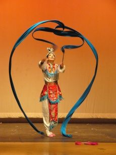Chinese ribbon Dance(1)